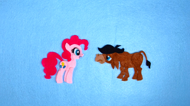 File:Pinkie Pie Meet Somepony New S2E18.png