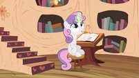 Sweetie Belle using magic S4E15