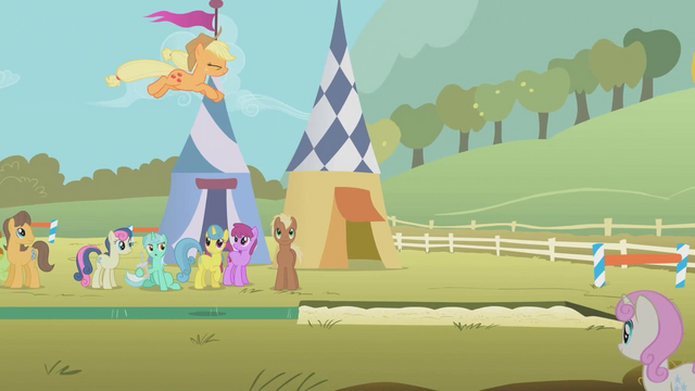 File:Applejack's long jump attempt S01E13.png