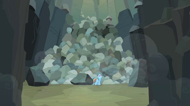 File:Rainbow Dash calling for help S2E07.png