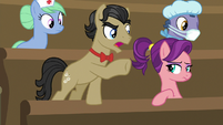 """Filthy Rich """"what is goin' on here, Applejack?!"""" S6E23"""