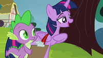Twilight asks about her friends' funny moments S5E22