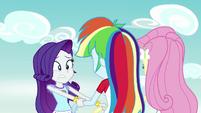 Rarity helps Rainbow Dash and Fluttershy up EG4