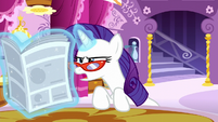 "Rarity reads ""unfettered behind-the-scenes access"" S6E9"