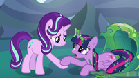 Starlight Glimmer helps Twilight