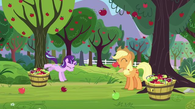 File:Starlight bucks apple tree; apples fall down S5E26.png