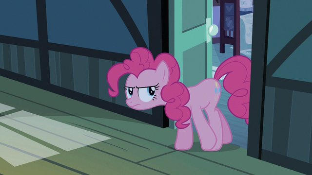 File:Pinkie Pie looking for Pound Cake S2E13.png