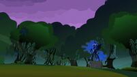 Princess Luna scares the foals S2E04