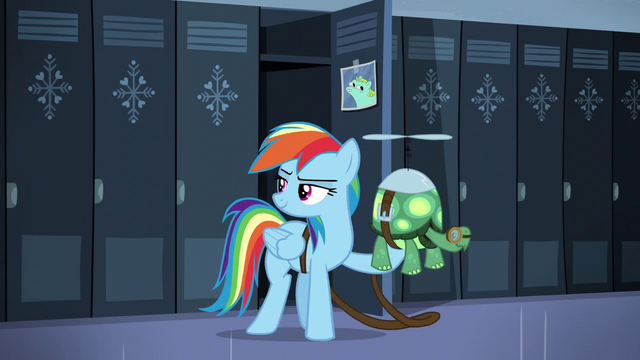 File:Rainbow holds Tank S5E5.png
