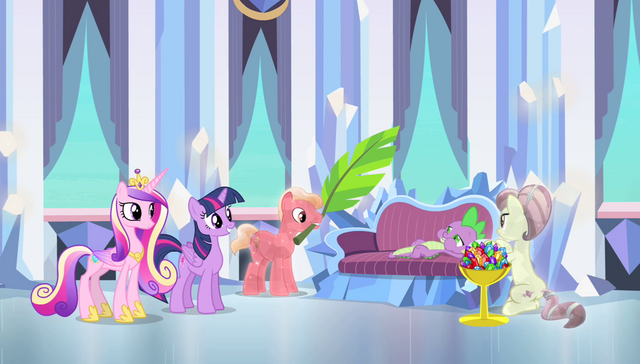 File:Crystal Ponies pampering Spike S4E24.png