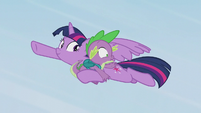 Twilight catches Spike in midair S5E25