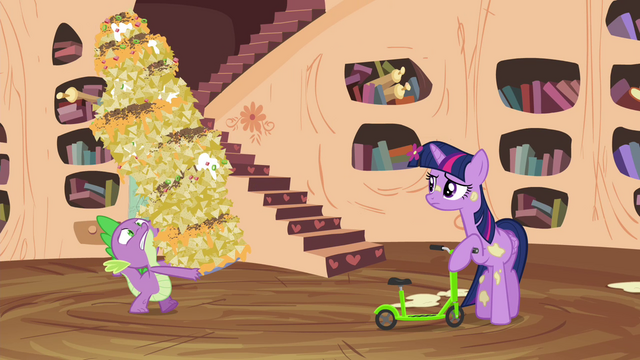File:Spike carrying giant plate of nachos S4E15.png