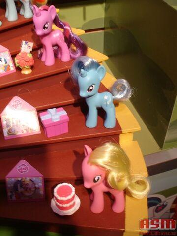 File:ASM's Toy Fair 2012 2.jpg