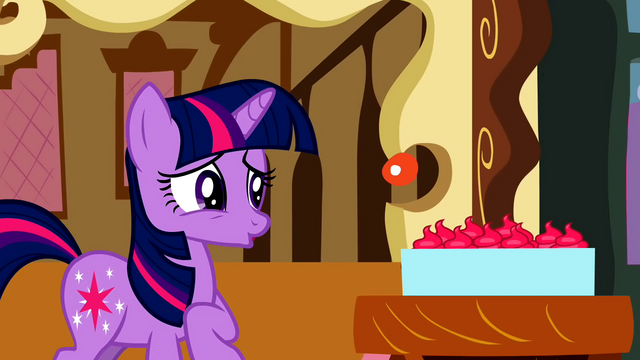 File:Twilight not liking the cupcakes S2E3.png