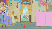Door just out of Apple Bloom's reach S1E12
