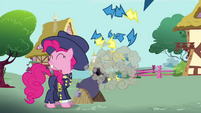 Pinkie Pie firing cannon S4E21