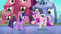 Cadance doing the Sunshine, Sunshine dance S6E16