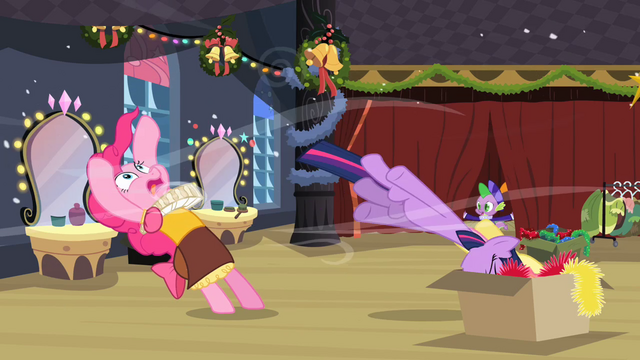File:Twilight and Fluttershy in the box S02E11.png