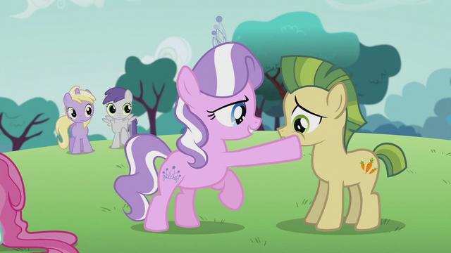 File:Diamond Tiara touches a colt's mouth S5E18.png