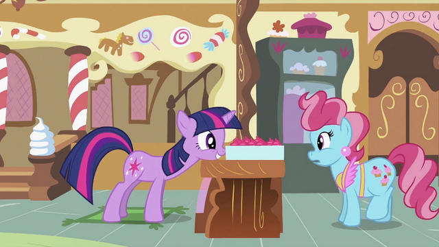 File:Twilight pushing cupcake box S2E03.png