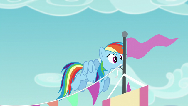 File:Rainbow Dash putting up decorations S5E24.png