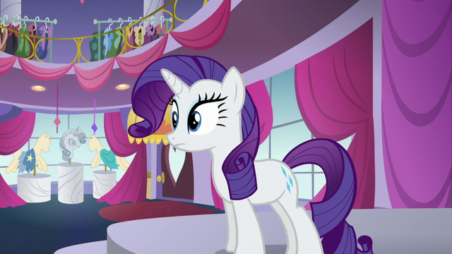 File:Rarity sees where the mannequins are being levitated to S5E14.png