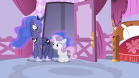 Sweetie Belle and Luna in Rarity's room S4E19