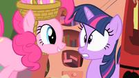 Pinkie Pie spooking Twilight S01E25