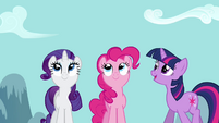 Rarity, Twilight and Pinkie watching the sky S2E16
