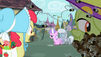 Apple Bloom spots Diamond Tiara and Silver Spoon S2E12