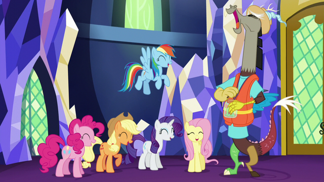 File:Main five and Discord laughing together S5E22.png