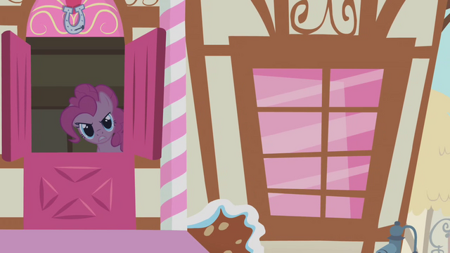 File:Pinkie Pie beckoning Twilight S1E9.png
