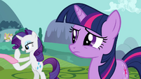 "Twilight and Rarity ""mishap at Sweet Apple Acres"" S03E10"