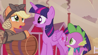 Applejack only recognizes Rarity's name S5E25