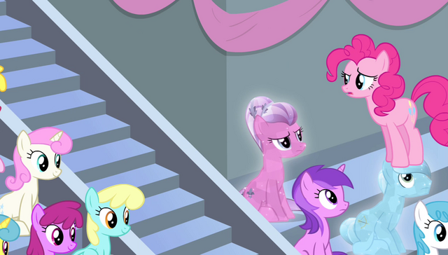 File:Pinkie sees that Twilight left S4E24.png