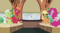 "Applejack ""it's gonna be a hoot"" S5E20"