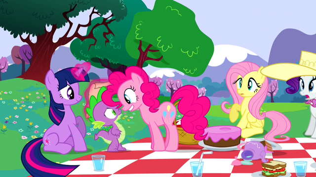 File:Pinkie PieHappyS2E25.png