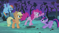 "Pinkie Pie ""...before that thing eats us all!"" S4E07"