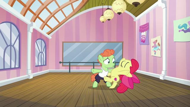 File:Apple Bloom dancing passionately S6E4.png