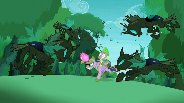 File:Changelings fly to attack Twilight and Spike S5E26.png