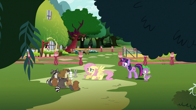 File:Fluttershy talking to her animals S3E05.png