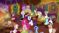 Ponies cheer around Pinkie, Rarity, and Zesty S6E12