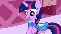 Twilight's new outfit S1E03