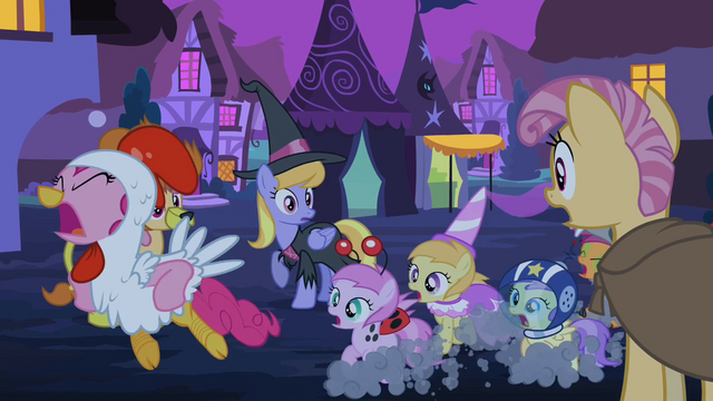 File:Pinkie Pie and foals running away S2E04.png