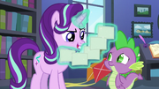 Starlight Glimmer levitating her lesson cards S6E21