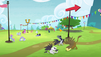 Pegasi and griffons training S4E10