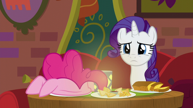 File:Rarity listening to Coriander and Saffron S6E12.png
