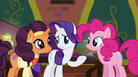 "Rarity ""Zesty rates a restaurant on"" S6E12"