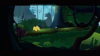 Daring Do hooves on fallen tree S2E16