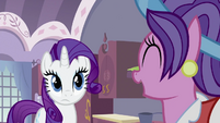 Rarity Listening to Her Mom S2E5